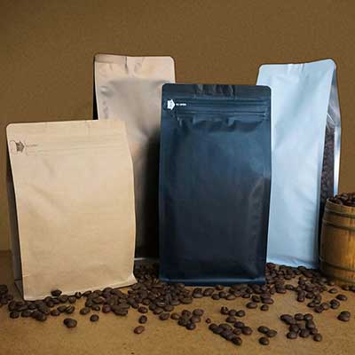 Coffee bag for roasted coffee beans